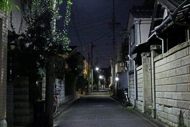 夜道の危険と防犯グッズ